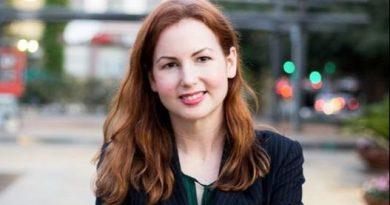 An image of Debra Innocenti-Placette, a tech lawyer in San Antonio.