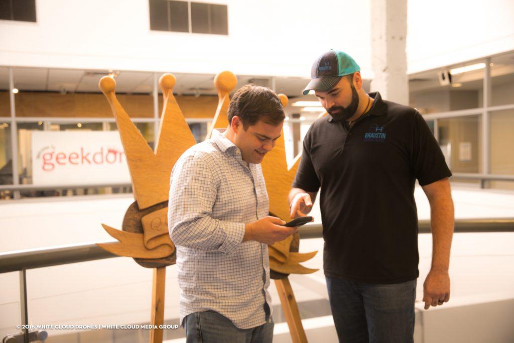 Alberto Piña and Geekdom'pre-accelerator program co-director Luke Owens