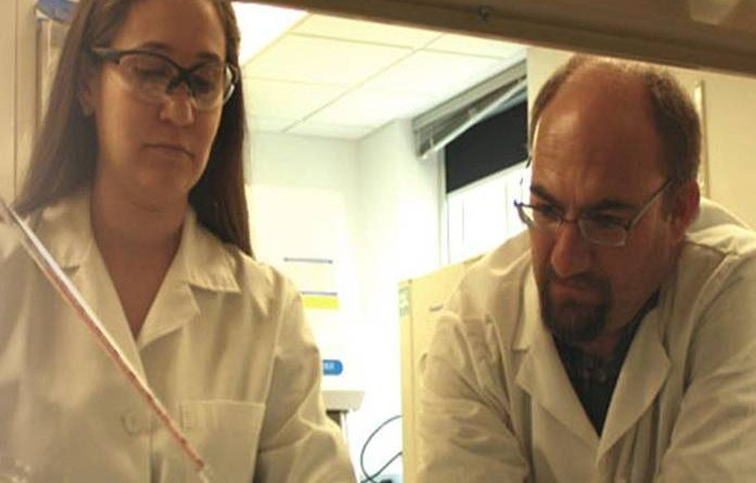 bioAffinity researchers Dr. Jamilla Sanchez (left) and Dr. David Elzi work on CyPath. Courtesy image.