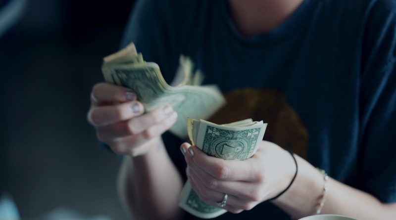 Make every dollar count, apply for business grants. Photo by Sharon McCutcheon on Unsplash.