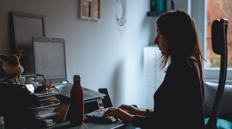 Woman working remotely from home. Photo by Susanna Marsiglia on Unsplash.